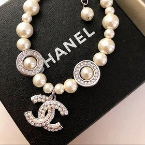 White gold and pearl gemstone bracelet Chanel